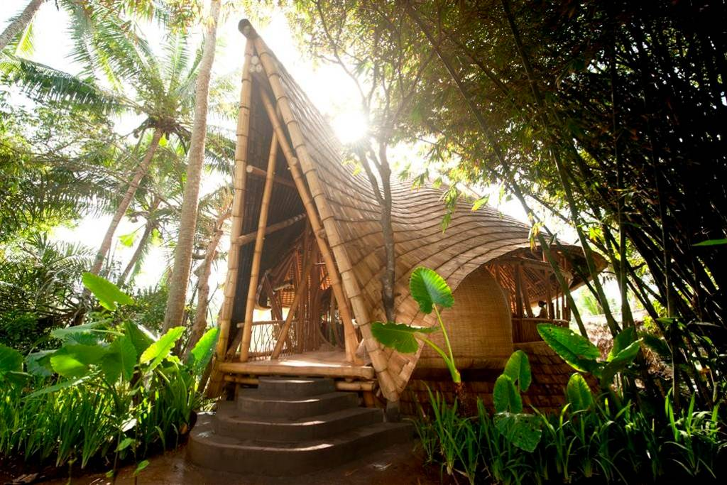 bali-bamboo-house-exterior